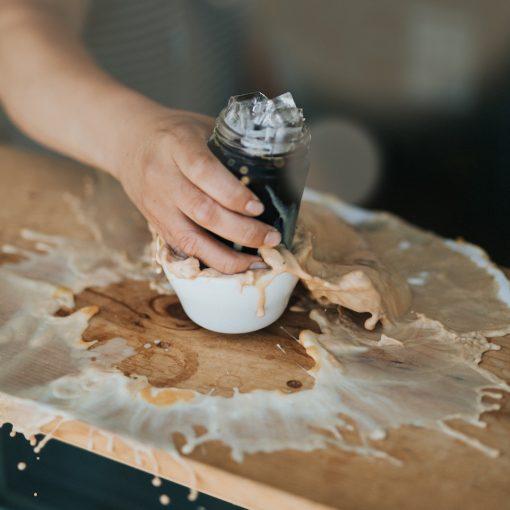 Kalter Kaffee: Macht schön & ist gesund, wirklich?